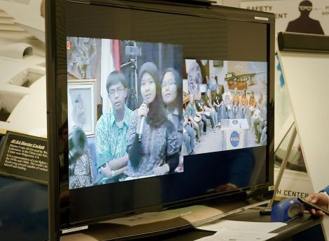Group video chat with Indonesia-US students